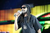 Snoop Dogg Stops By Jimmy Kimmel For Interview & Performance