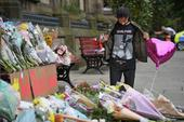 Ariana Grande's Mother's House Guarded Heavily After Manchester Attack