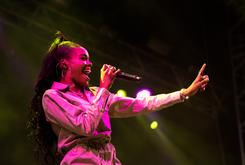 """Azealia Banks: """"America Picks & Chooses When It Likes To Be Offended"""""""