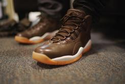 "Anthony Hamilton Debuts ""Chocolate"" Air Jordan 10"