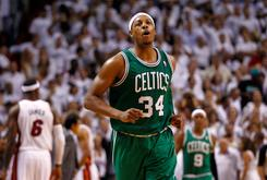 Paul Pierce Signs Contract With The Boston Celtics