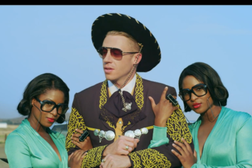 "Macklemore Feat. ScHoolboy Q & Hollis ""White Walls"" Video"