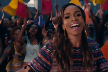 """Michelle Williams Feat. Kelly Rowland & Beyonce """"Say Yes"""" Video"""