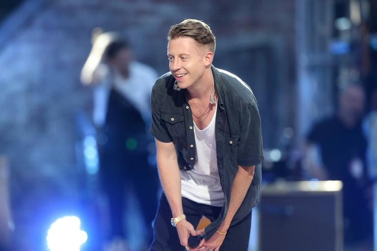 Macklemore at the 2015 MTV VMAs